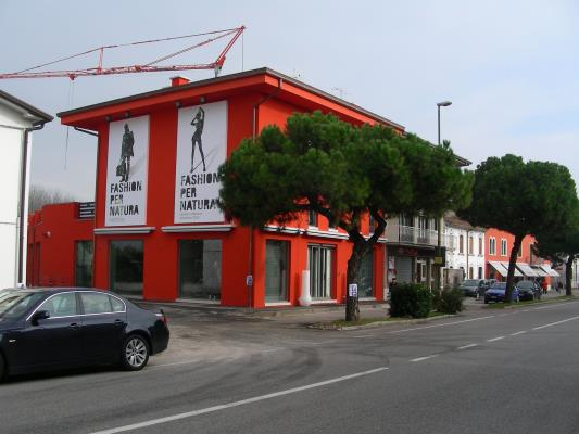 Edificio commerciale - S. Maria di Zevio